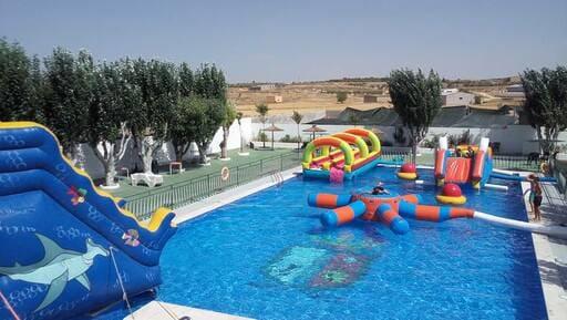 alquiler castillo hinchable acuático en Murcia